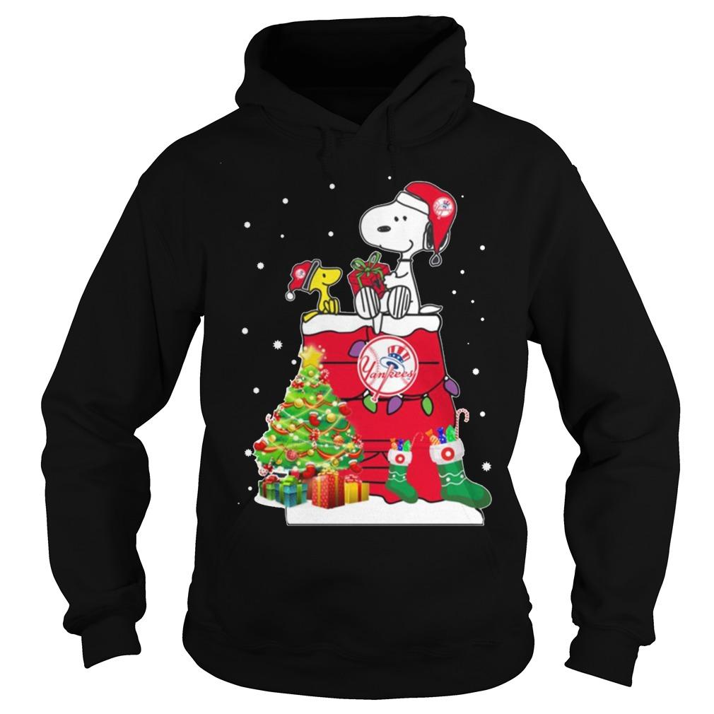 New York Yankees Snoopy And Woodstock Christmas Hoodie