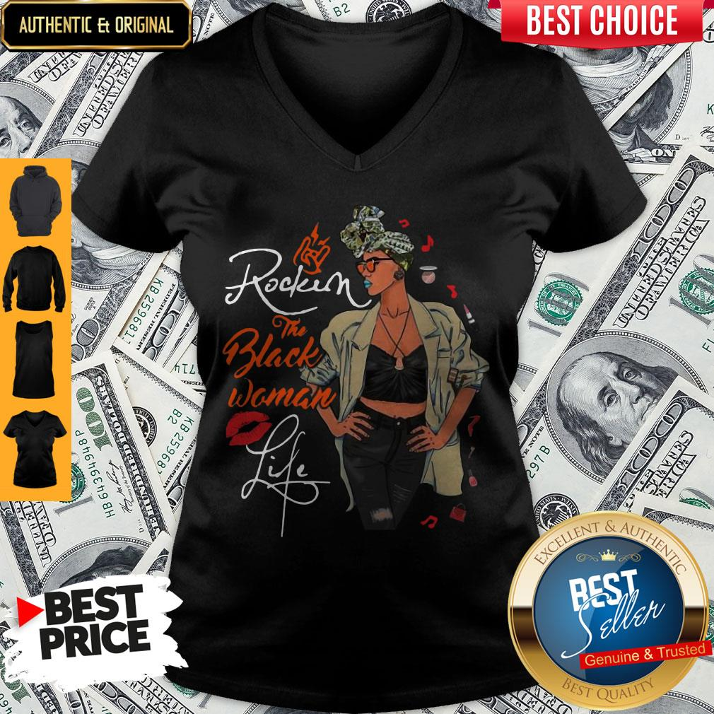 Pretty Rockin The Pisces Woman Life Black Woman Version V-neck